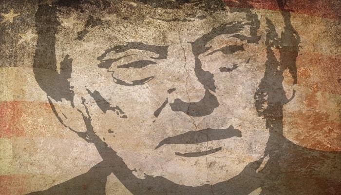 Dos ejemplos de uso de internet y redes sociales en campañas políticas: Donald Trump